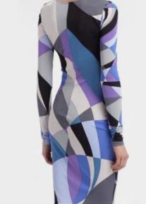 Красивого кроя облегающее платье Emilio Pucci