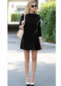 Платье с эффектным вырезом