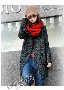 Двубортное пальто с широким карманами