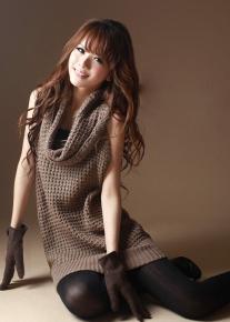 Стильный свитер с воротником