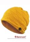 Вязаная шапка с отворотом декорированная пуговицей