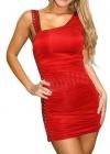 Красное платье с заклепками
