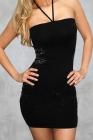 Элегантное черное платье с украшениями по бокам