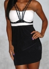 Черно-белое платье с заклепками и пуш-ап эффектом